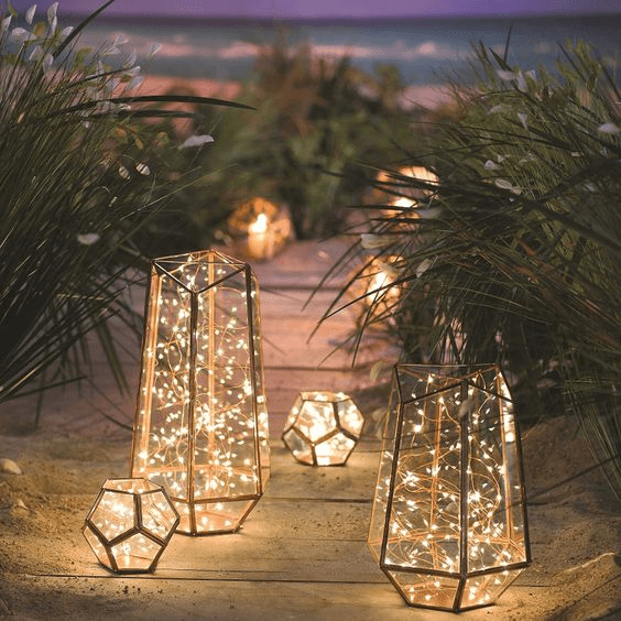 Geometric terrarium to be led lanterns